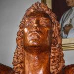 Chiesa Santissimo Crocifisso dettaglio della statua di San Giovanni evangelista