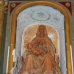 Chiesa di Sant'Antonio Abate particolare della Madonna incoronata con bambino